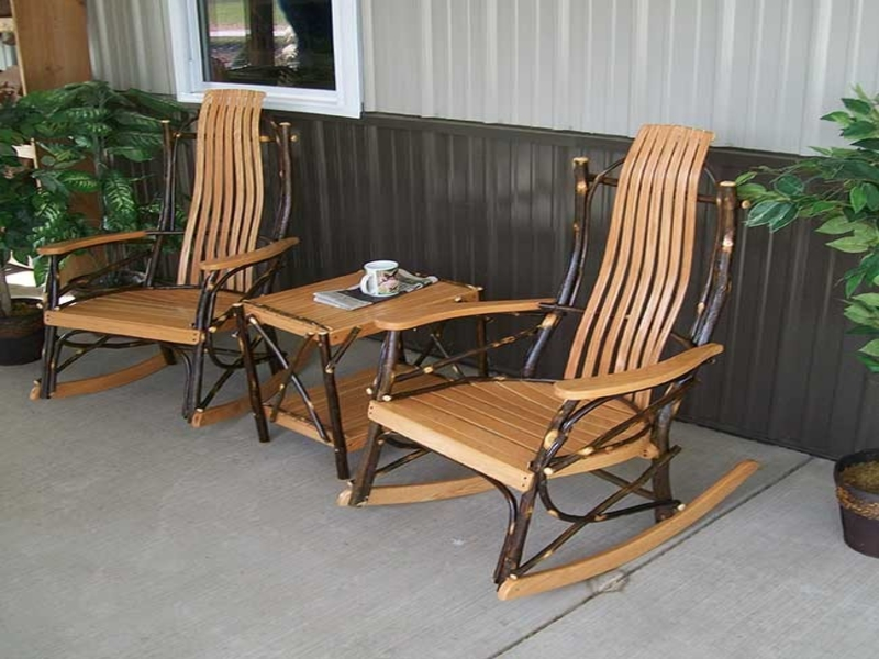 Image of: Unique Front Porch Table And Chairs