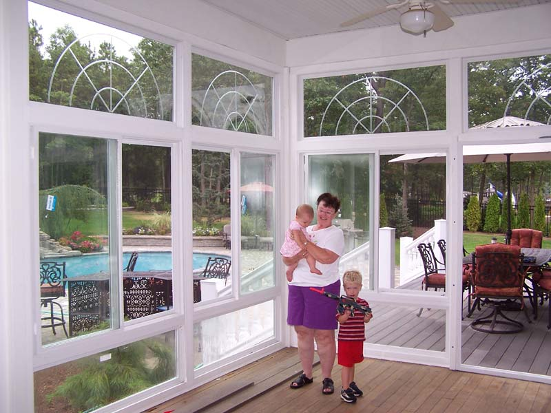 Image of: Vinyl Porch Enclosures Best