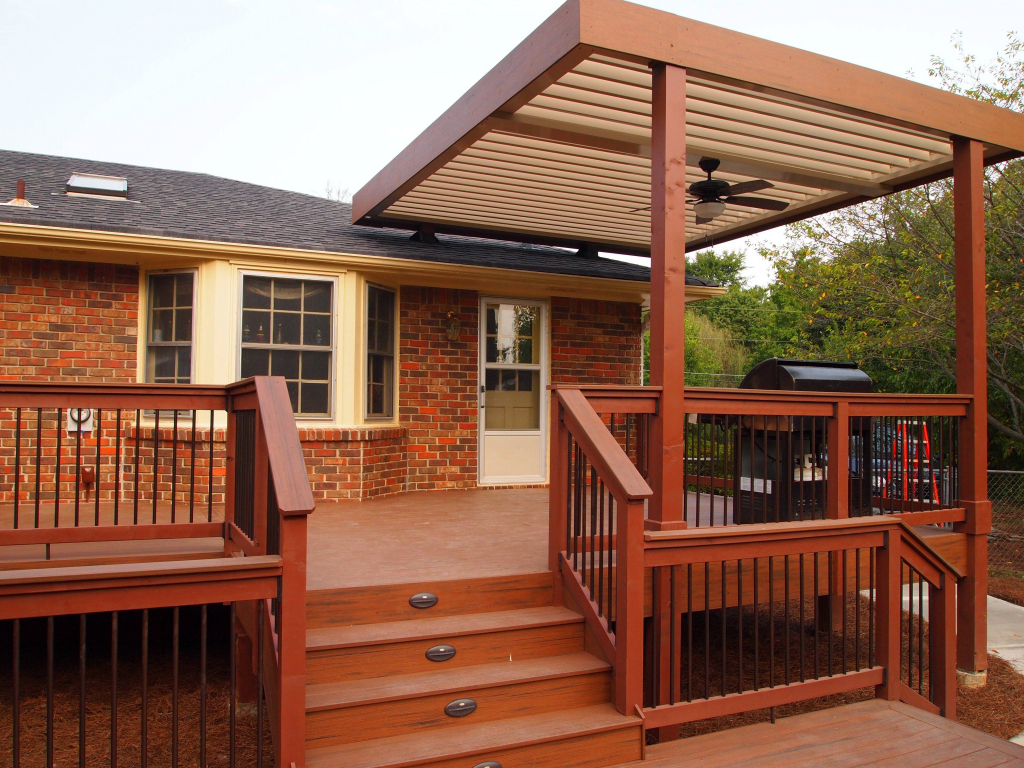 Image of: Wooden Screen Porch Designs