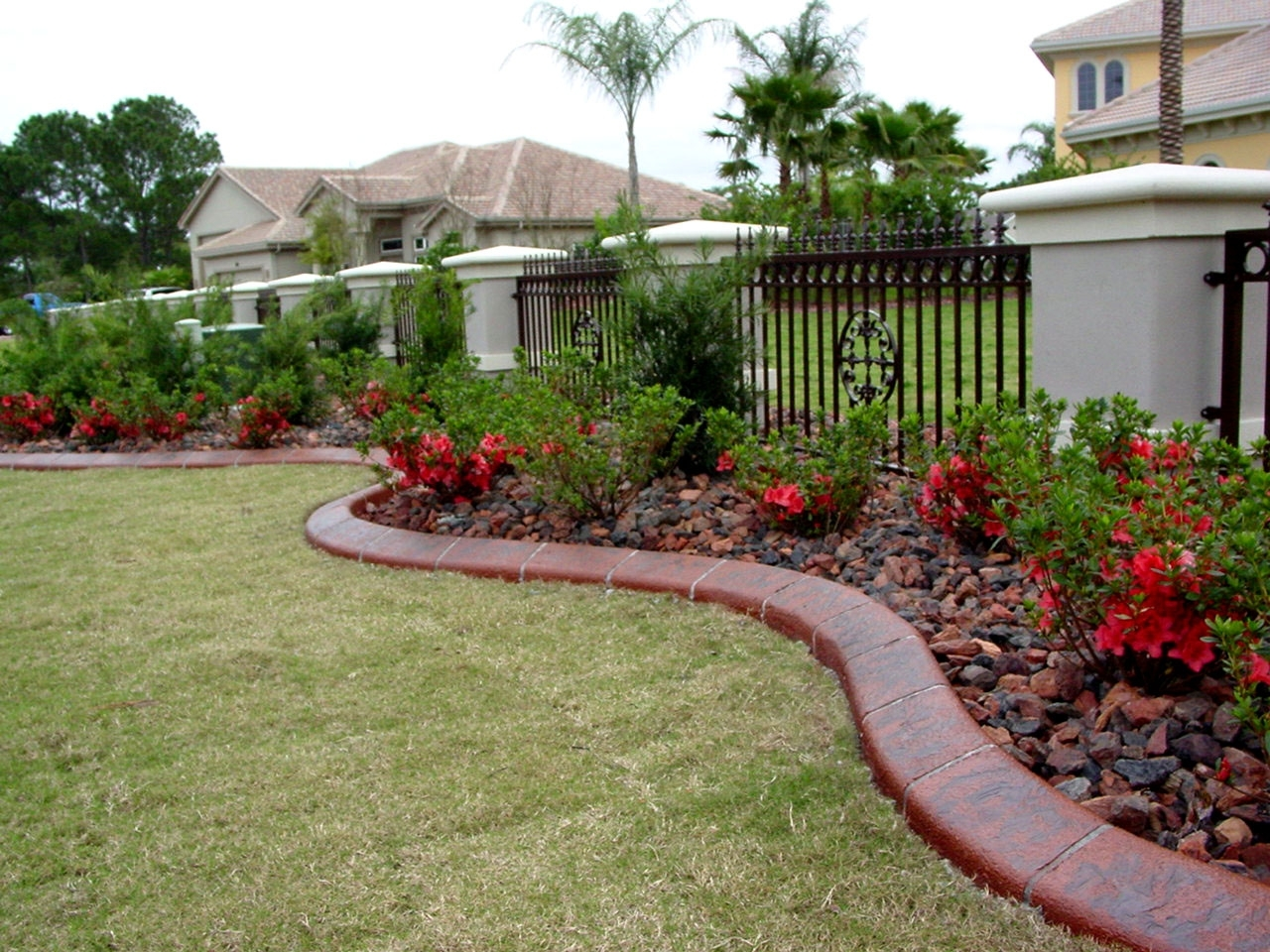 Image of: Curb Appeal Landscaping Ideas The Best Landscape Curbing Designs For Curb Appeal Landscaping Curb Appeal Landscaping Ideas