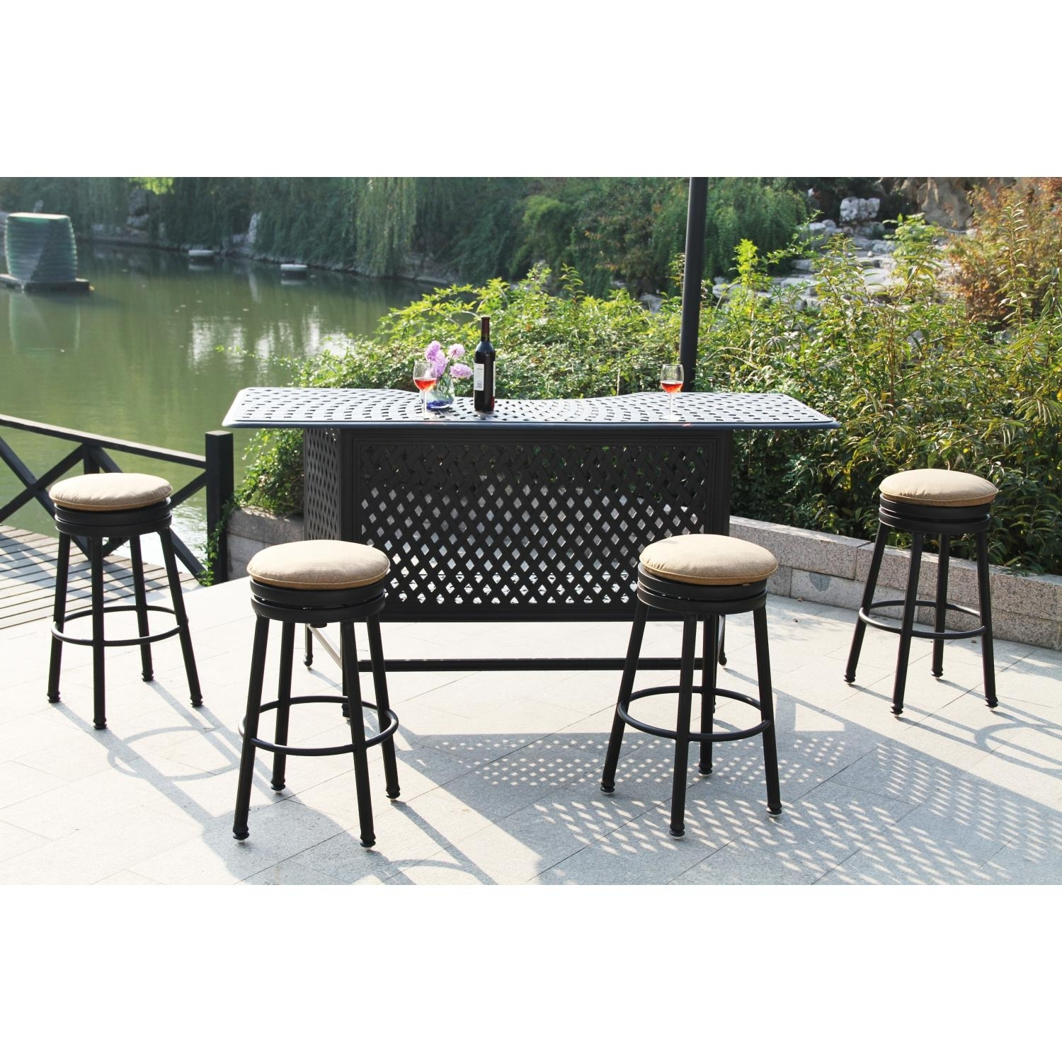 Image of: Elegant Outdoor Swivel Bar Stool Outdoor Furniture