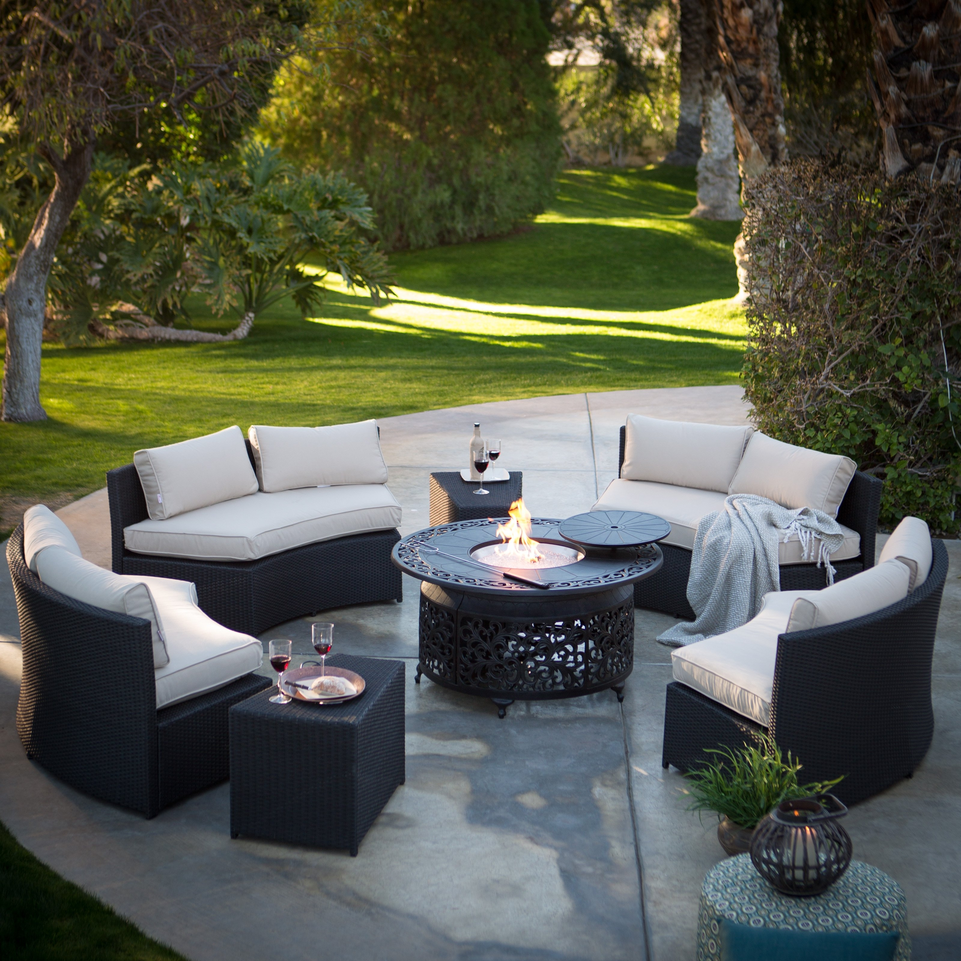 Image of: Modern Rooms Colorful With Outdoor Hospitality Furniture