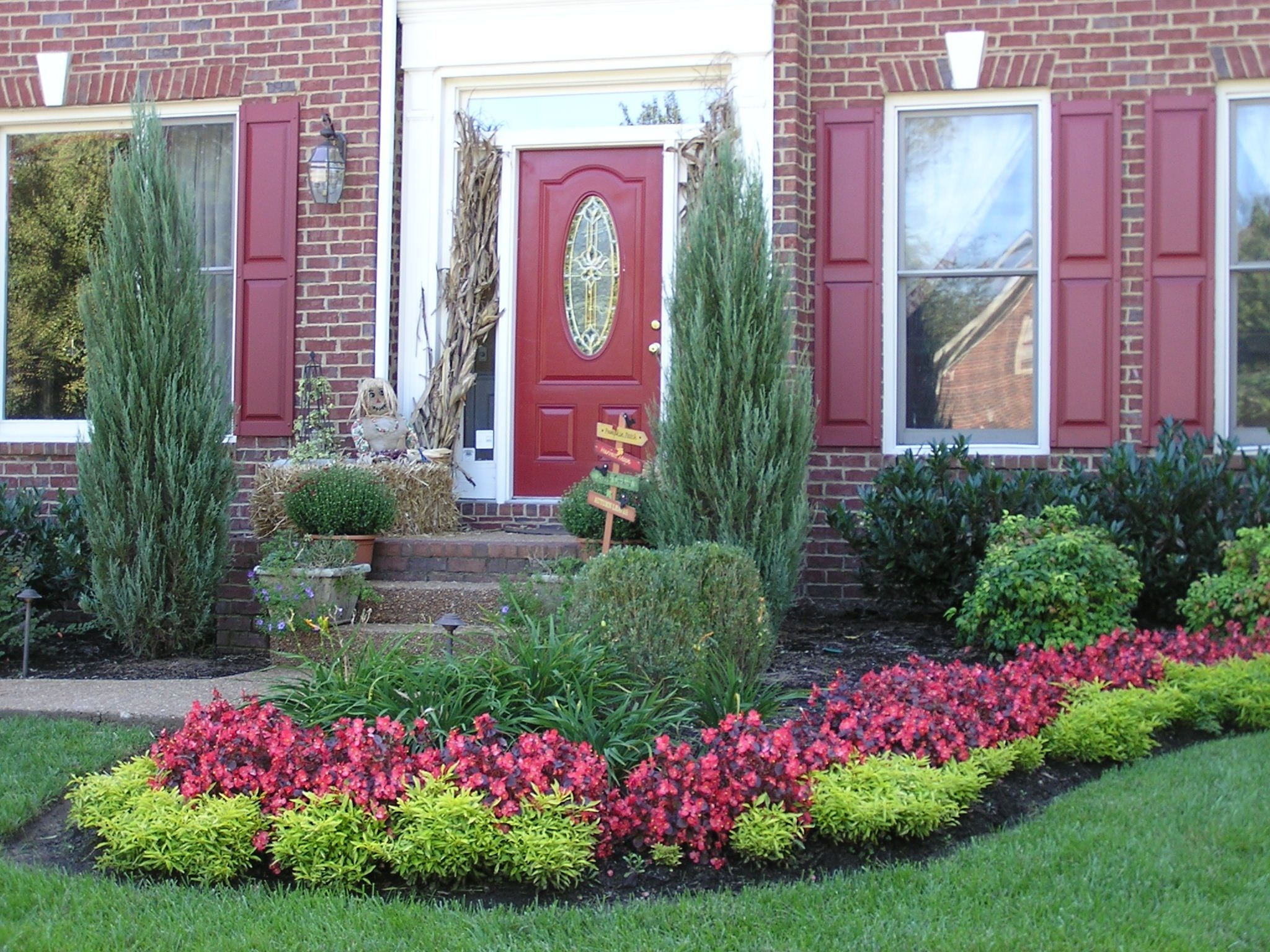 Image of: Learn About Curb Appeal At Canada Blooms Ohs Landscape Group With Curb Appeal Landscaping Curb Appeal Landscaping Ideas