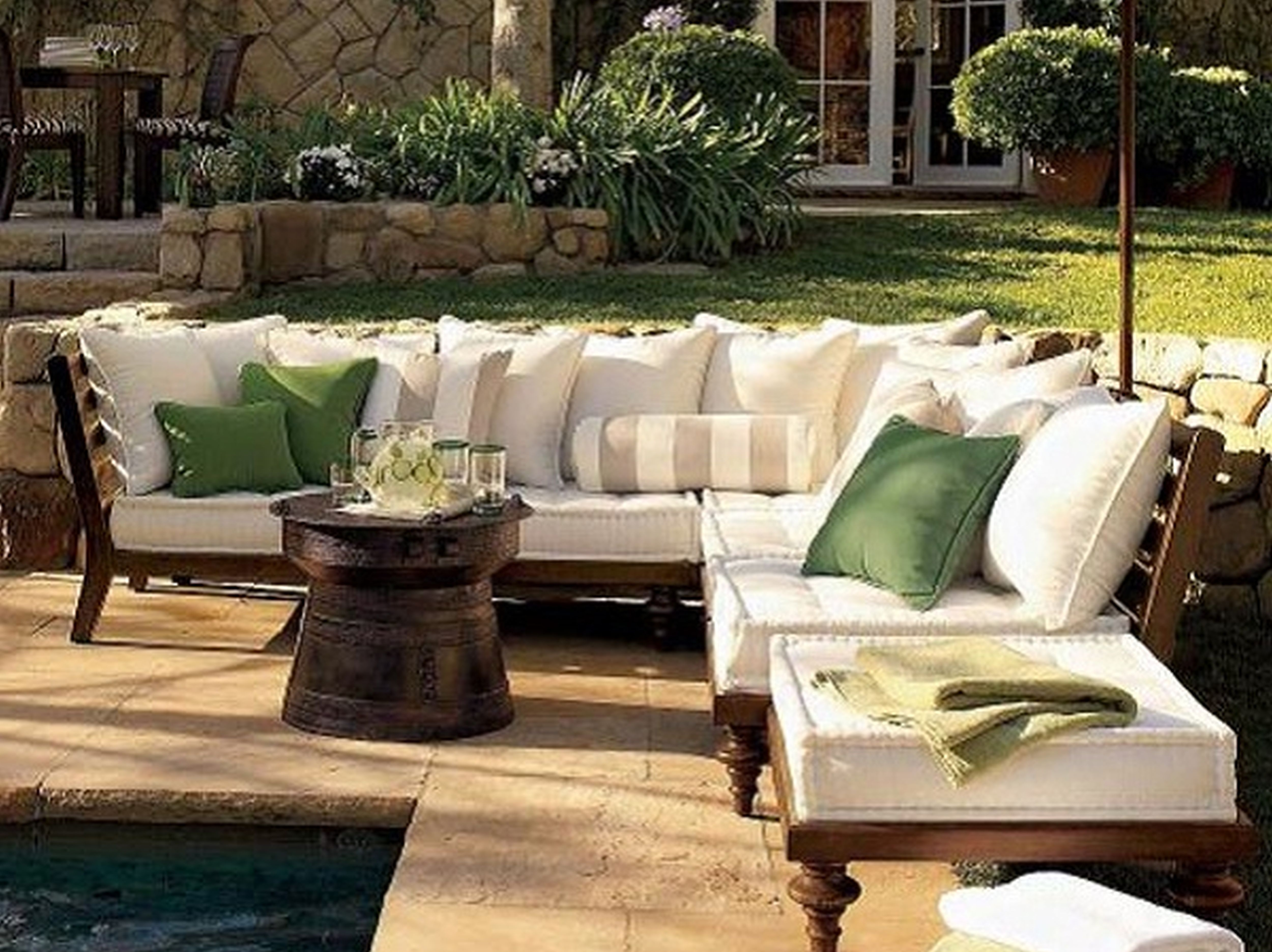 Image of: Modern Patio With Outdoor Sofa For Outdoor Hospitality Furniture