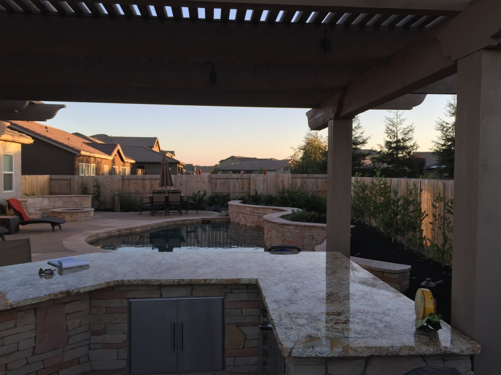 Image of: Outdoor Kitchens Liquid Fx Pools Liquid Fx Pools Regarding Outdoor Kitchen With Pool Awesome Home Outdoor Kitchen With Pool