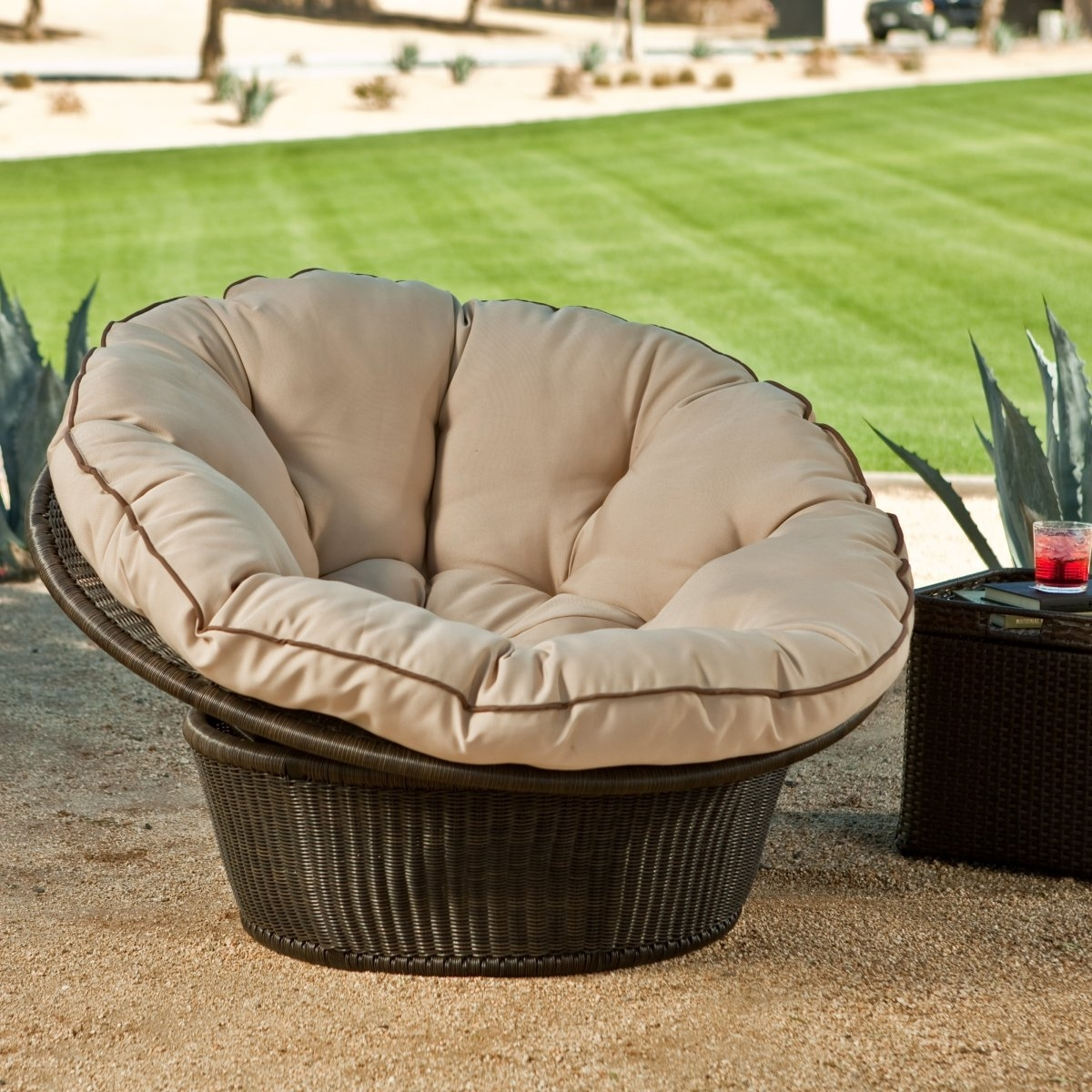Image of: Patio Round Patio Chair Pythonet Home Furniture For Outdoor Round Bistro Cushions Outdoor Round Bistro Cushions