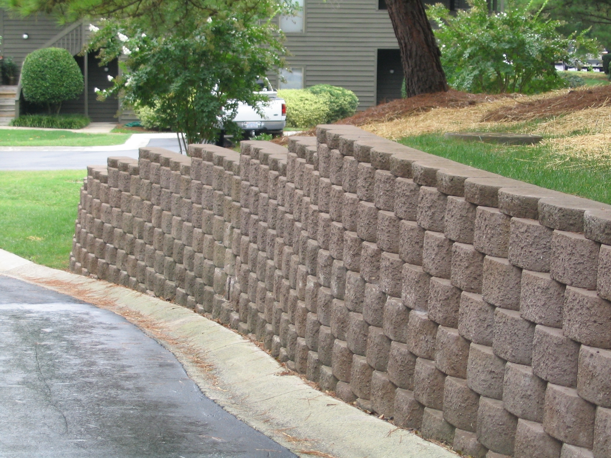 Image of: Retaining Walls That Stand Supreme With Regard To Landscape Timbers Retaining Wall Durable Landscape Timbers Retaining Wall For Great Decoration