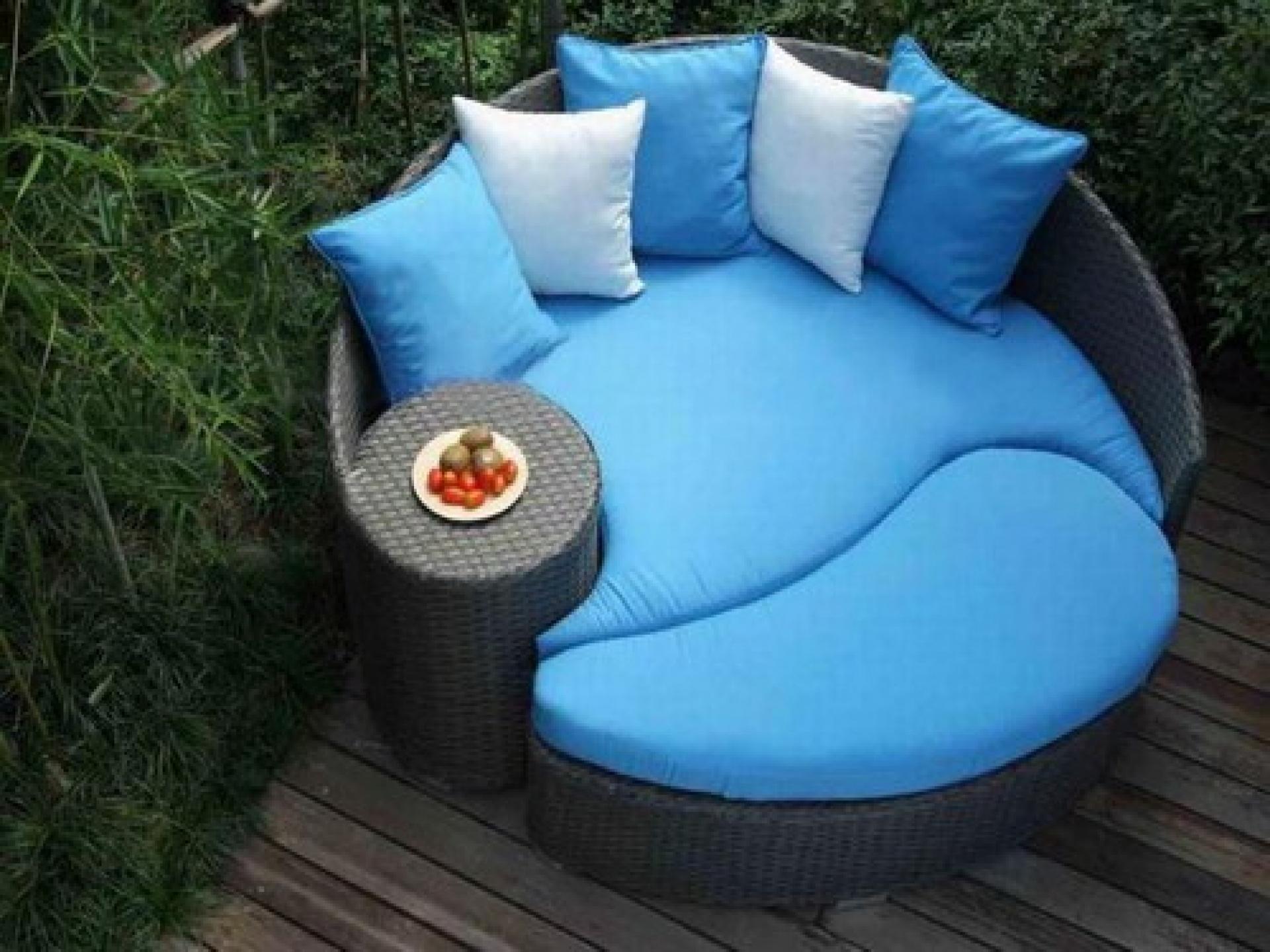Image of: Woman Better Homes And Garden Patio Furniture 27 For Your American In Outdoor Round Bistro Cushions Outdoor Round Bistro Cushions