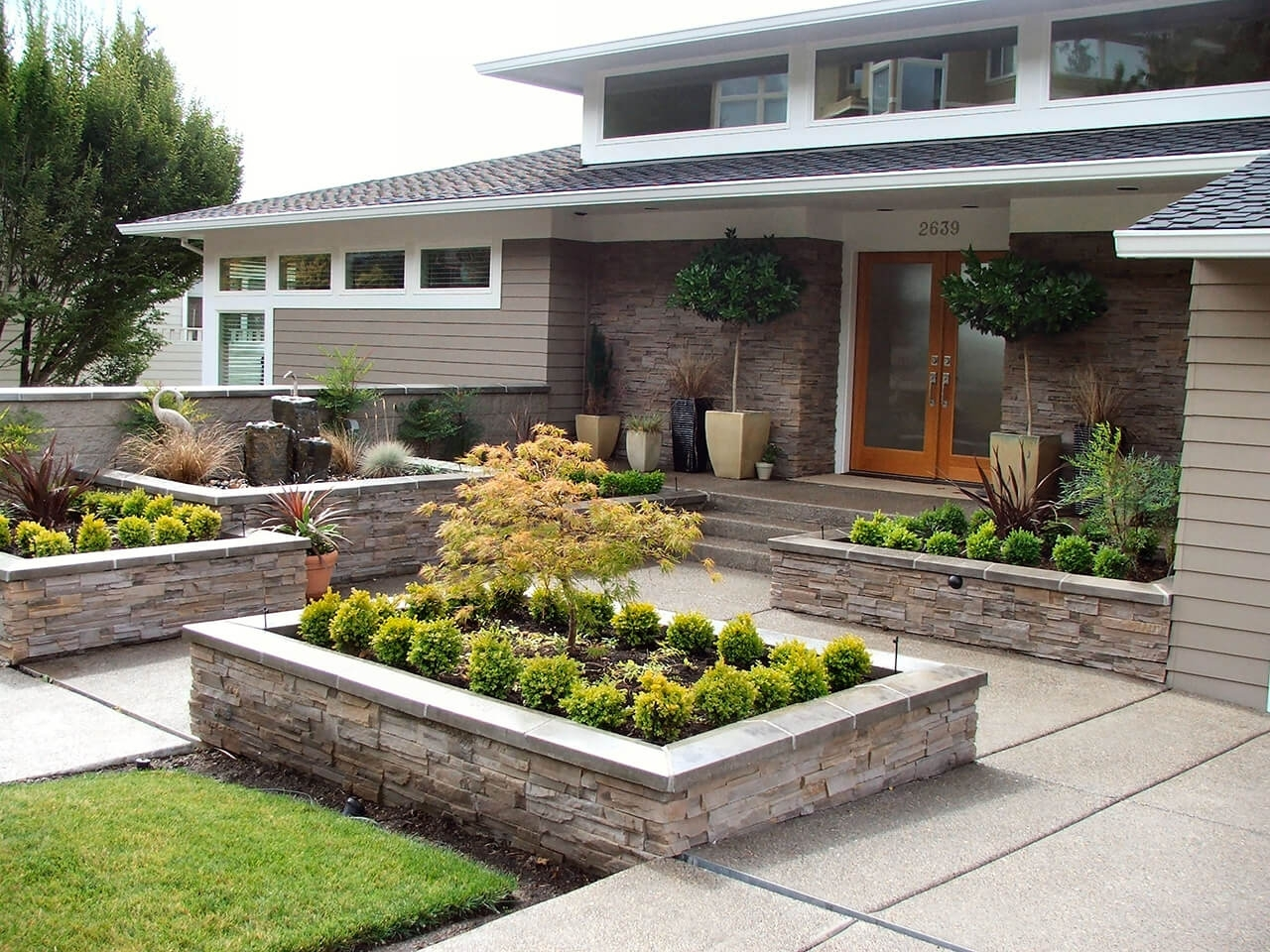 20 Brilliant Front Garden Landscaping Ideas Style Motivation Pertaining To Front Sidewalk Landscaping Ideas How Lay Front Sidewalk Landscaping Ideas