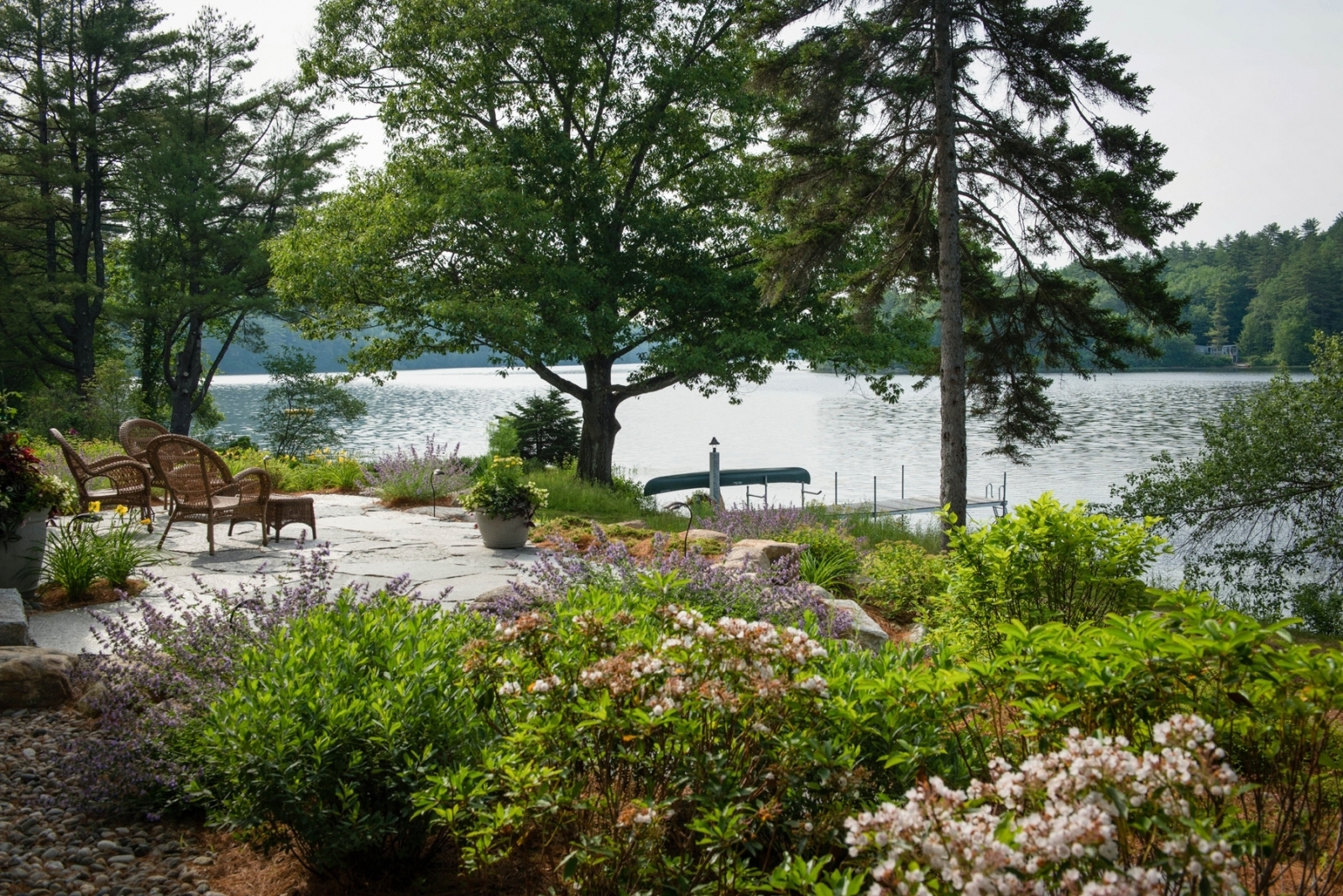 Image of: 2016 Excellence In Landscape Design Winner Clearview Lake Retreat Within Lakeside Landscaping Latest Trends In Lakeside Landscaping