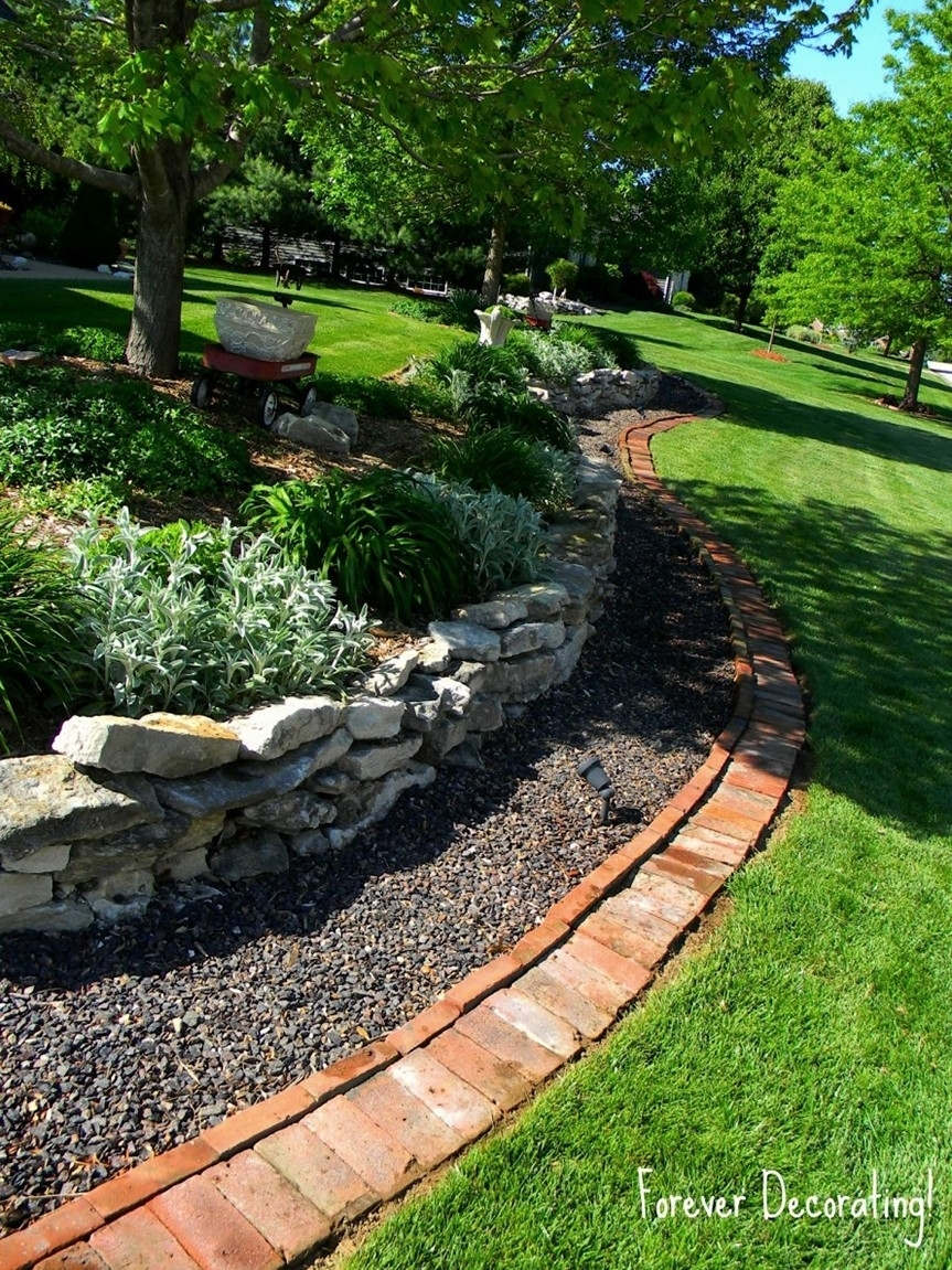 Image of: 21 Creative Garden Edging Ideas That Will Make Your Neighbors Intended For Aluminum Landscape Edging Great Idea Of Aluminum Landscape Edging