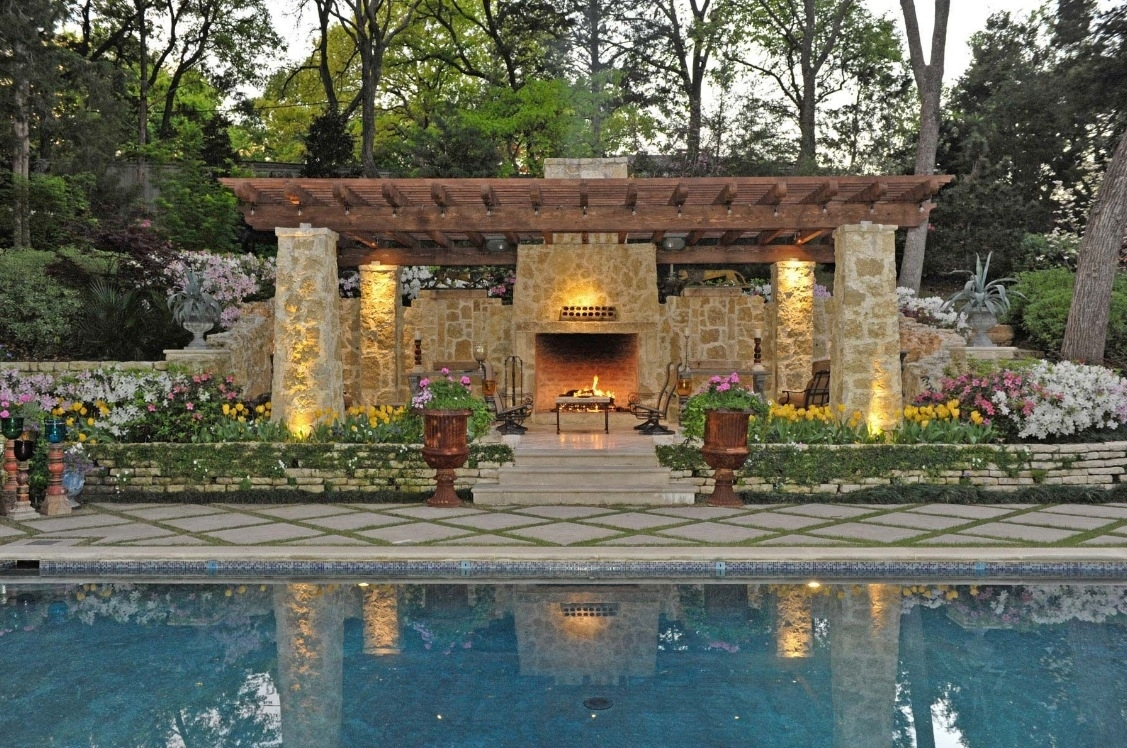 25 Breakthrough Designs For Outdoor Living Spaces Exterior Inside Fake Outdoor Fireplace Build Fake Outdoor Fireplace