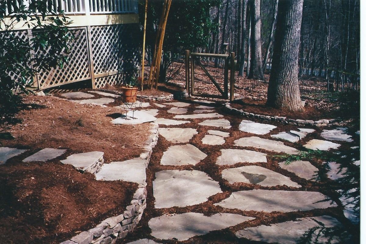 Image of: Awesome Patio Beauty Landscape Stepping Stones