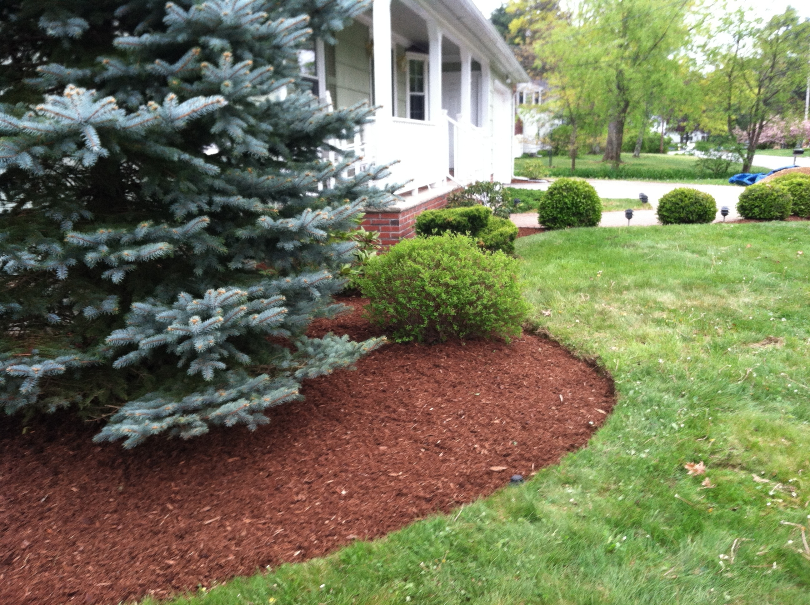 Image of: Bark Mulch For A Beautiful Yard In Nh Spring Landscaping Services Regarding Landscaping Bark Landscaping Bark For Season