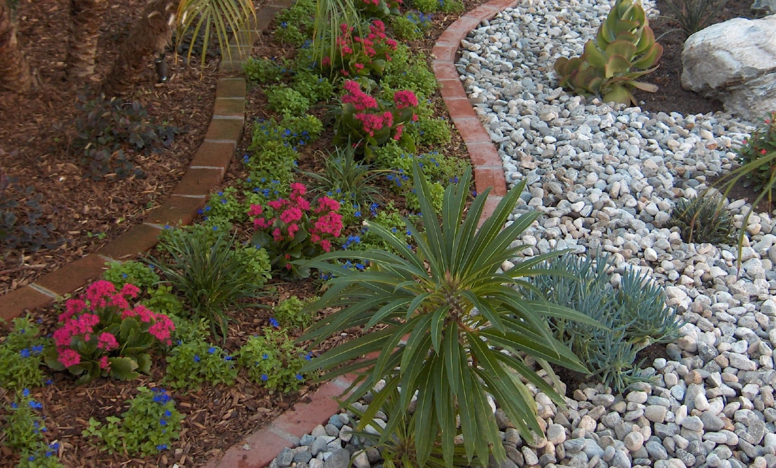 Bark Mulch Vs Rock Mulch Which Is Better Gt Landscapes Pertaining To Decorative Landscape Gravel Different Types Decorative Landscape Gravel