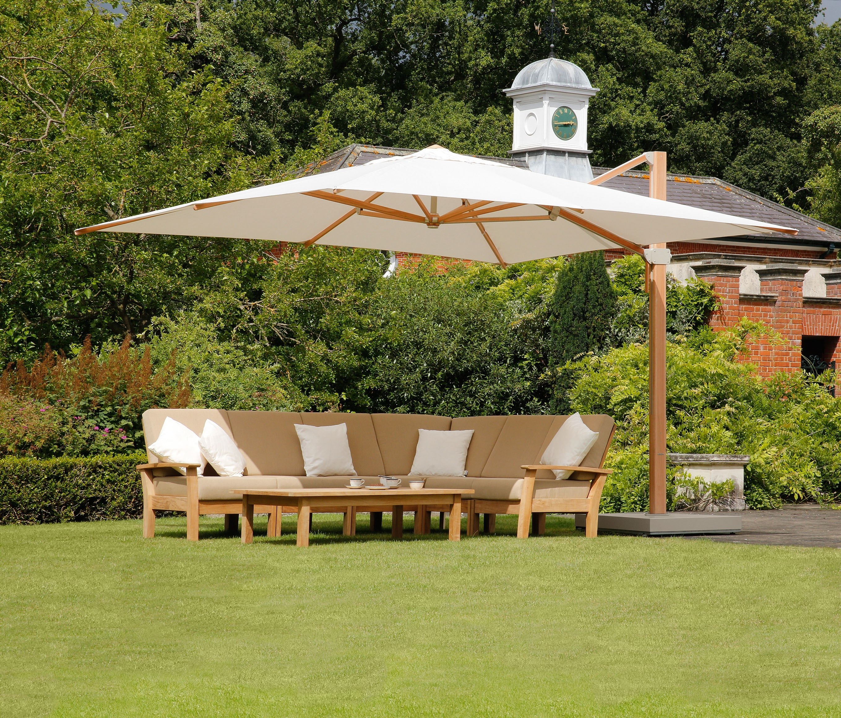 Image of: Barlowtyrie Hotel Best Commercial Grade Outdoor Furniture