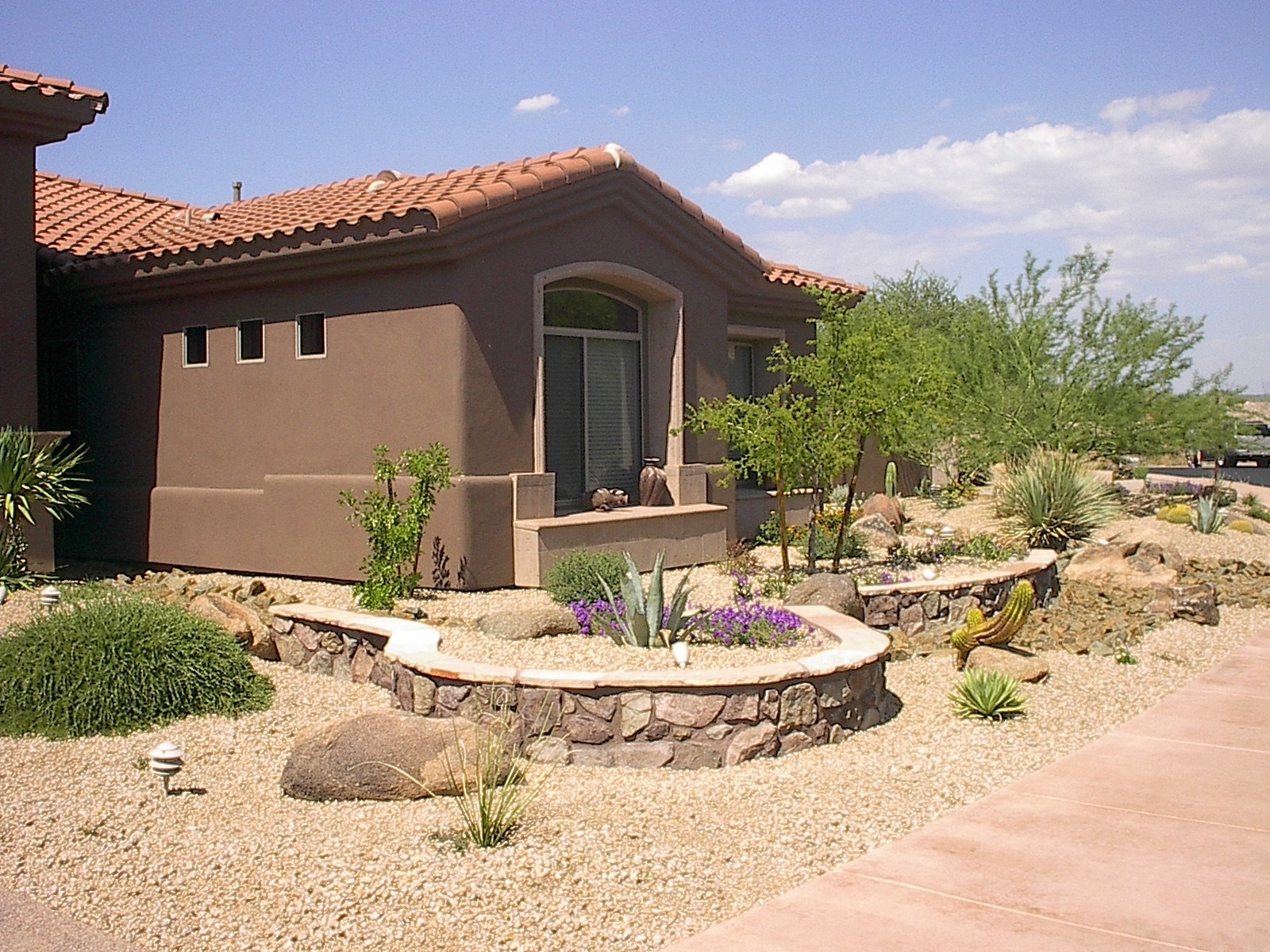 Image of: Beautiful Desert Landscaping Invisibleinkradio Home Decor Throughout Desert Landscaping Plants Ideal Desert Landscaping Plants At Home