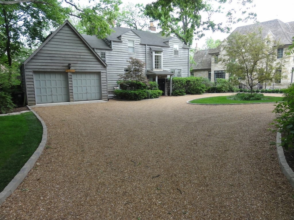 Image of: Best 25 Circle Driveway Landscaping Ideas Only On Pinterest Within Driveway Landscape Ideas Beautiful Driveway Landscape Ideas