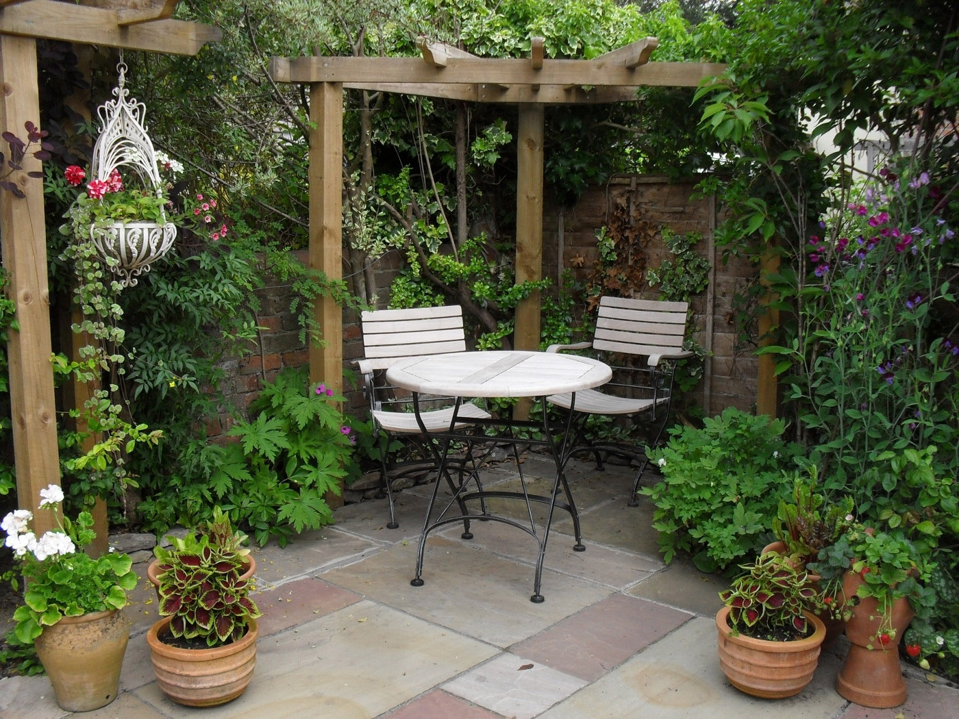 Image of: Brilliant Budget Garden Ideas That Will Easily Boost Your Outdoor In Backyard Landscaping Plans Cheap Backyard Landscaping Plans