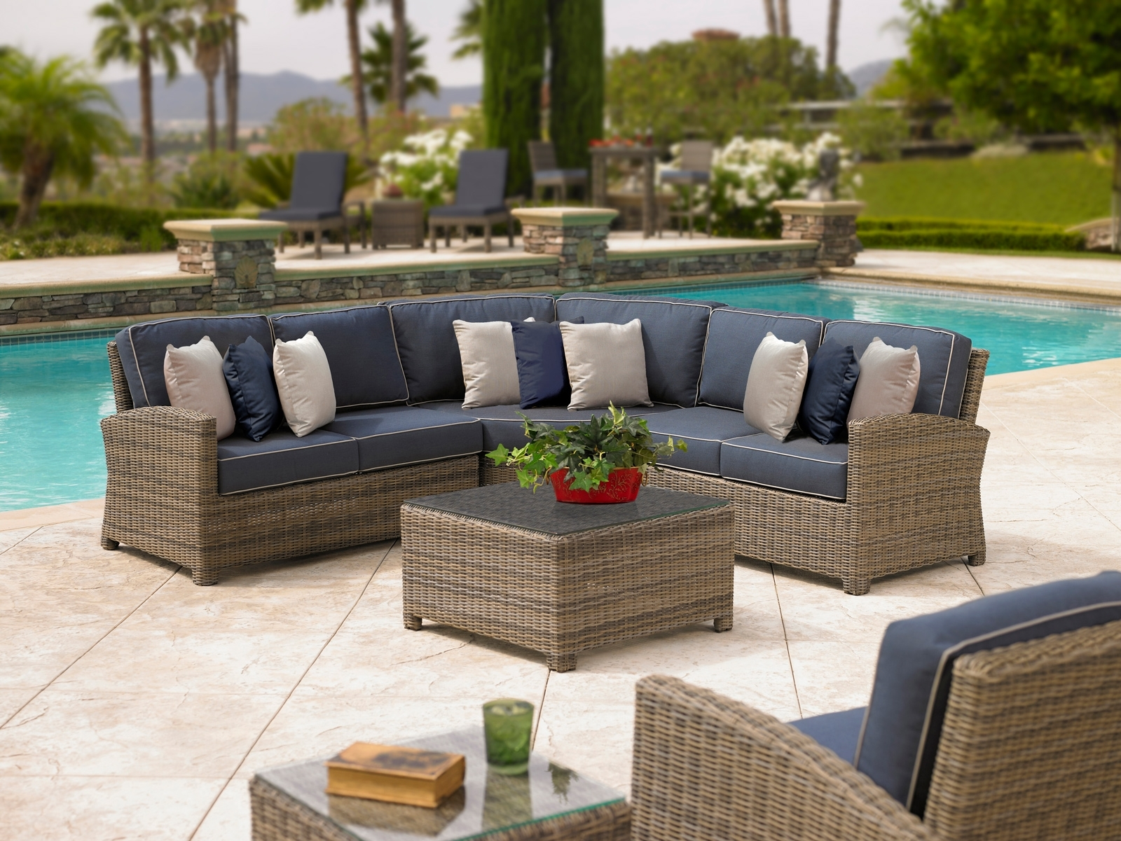 Image of: Catalina Commercial Outdoor Furniture At Low Prices Resort Inside Resort Outdoor Furniture Beautiful Resort Outdoor Furniture