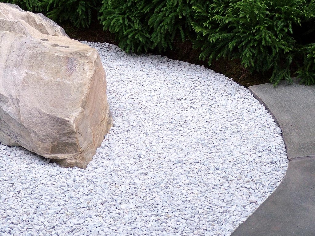 Image of: Colored Landscaping Rocks Paulele Beach House In White Rocks For Landscaping Amazing White Rocks For Landscaping