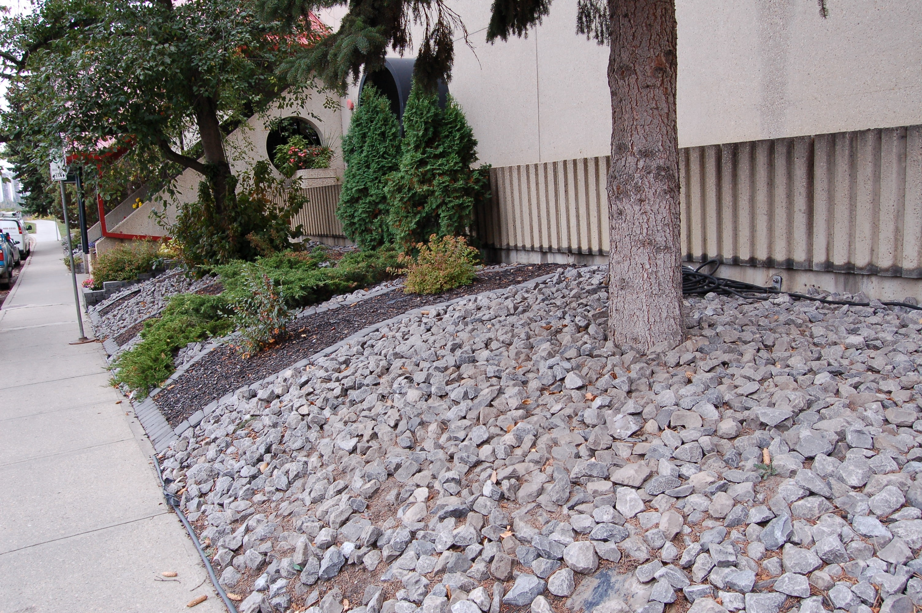Image of: Commercial Decorative Rock Limestone Black Mulch Western With Regard To Decorative Landscape Gravel Different Types Decorative Landscape Gravel