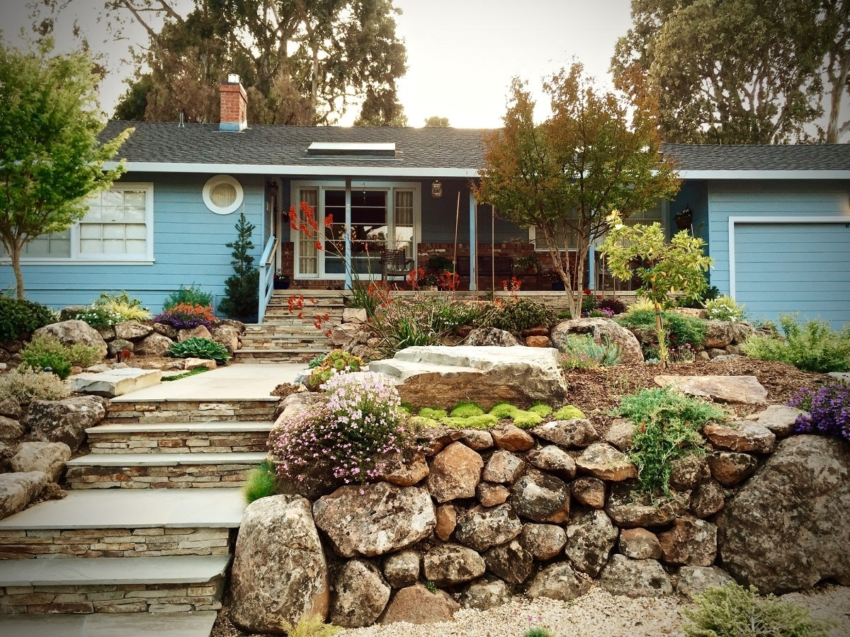 Image of: Create A Beautiful Drought Resistant Front Yard With Drought Friendly Landscaping Create Beautiful Drought Friendly Landscaping