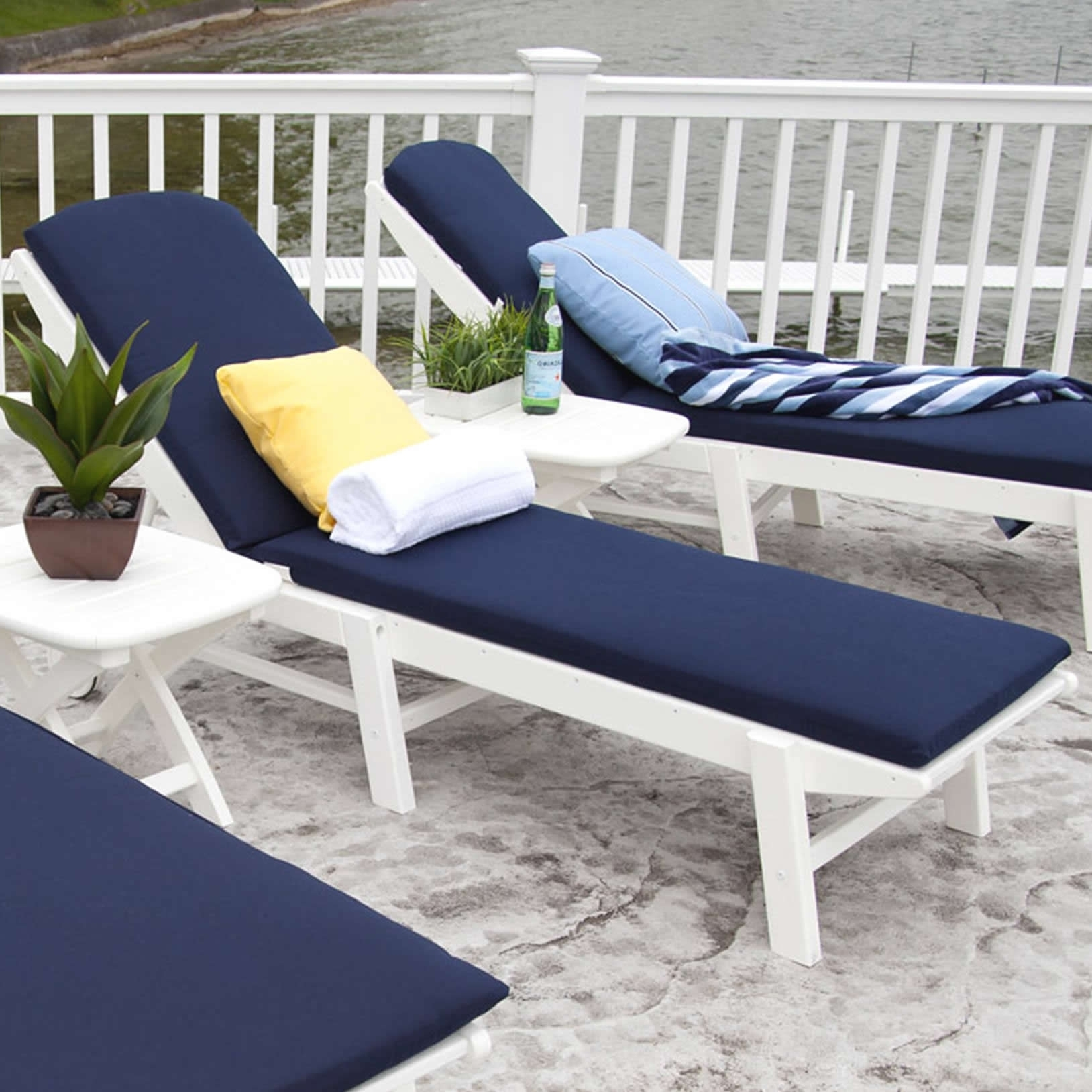 Image of: Decor Freshen Green Color Of Outdoor Patio Chair Cushions For Pertaining To Navy Outdoor Cushions Perfect Navy Outdoor Cushions