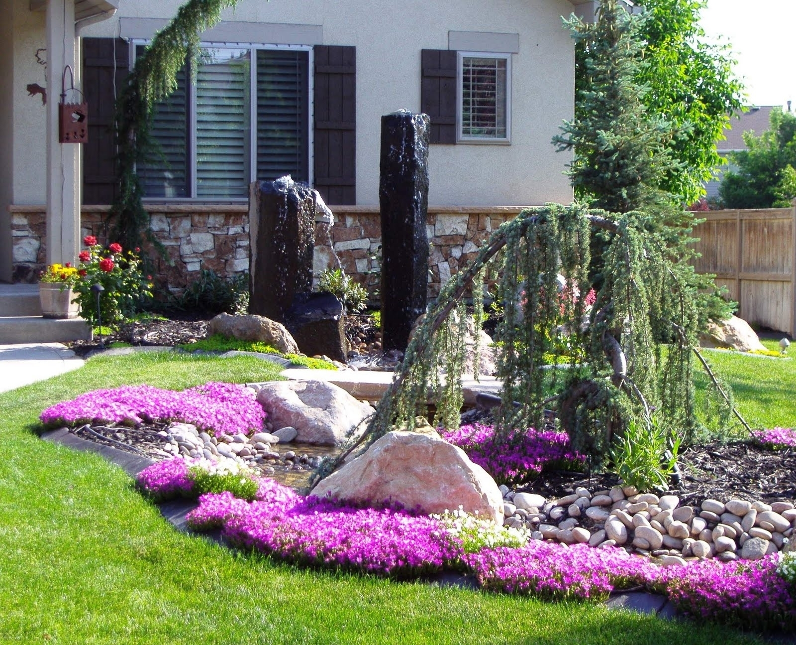 Image of: Delightful Landscaping Ideas Featuring Green Lawn With Curbside Landscape Ideas
