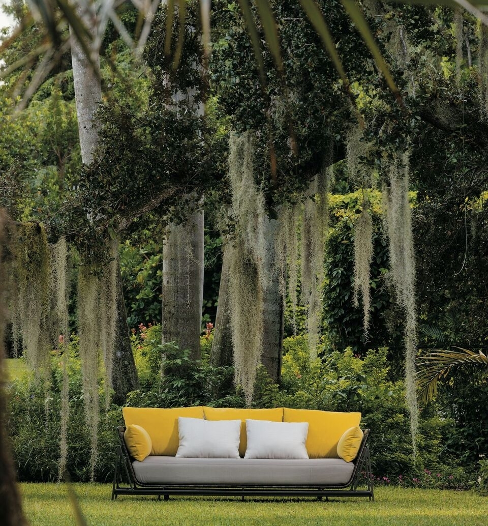 Image of: Design Miami 2016 Moray Outdoor Collection Holly Hunt 3rings With Regard To Holly Hunt Outdoor Furniture Weather Holly Hunt Outdoor Furniture
