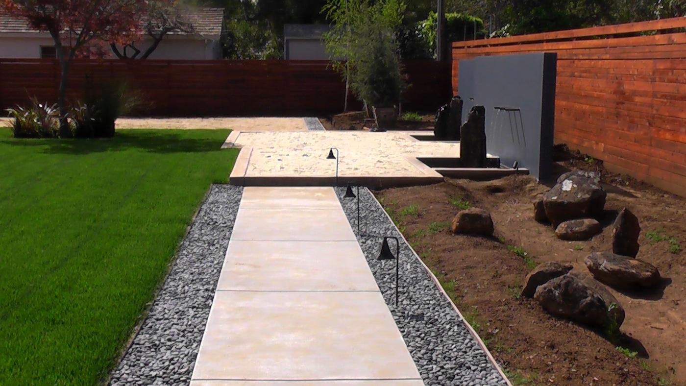 Image of: Driveway Landscaping Ideasg Landscaping Ideas Inexpensive Throughout Driveway Landscape Ideas Beautiful Driveway Landscape Ideas