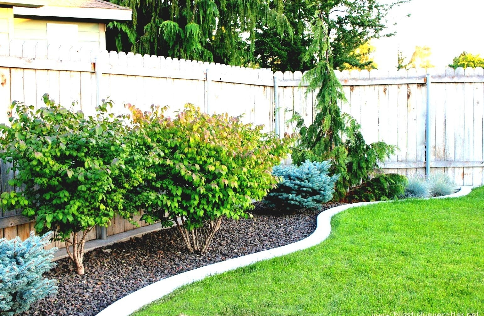Image of: Easy Landscaping Ideas For Beginners And Not So Green Thumbs Like For Easy Landscaping Ideas Easy Landscaping Ideas Patio