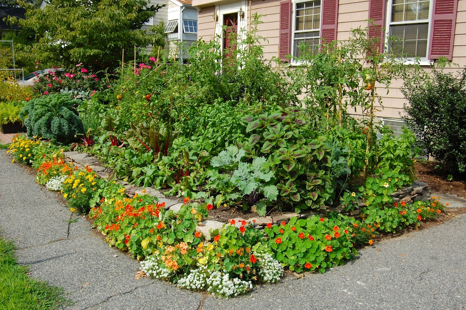 Image of: Edible Garden Design Seattle Edible Landscape Garden Design Within Edible Landscape Design Good Ideas Edible Landscape Design