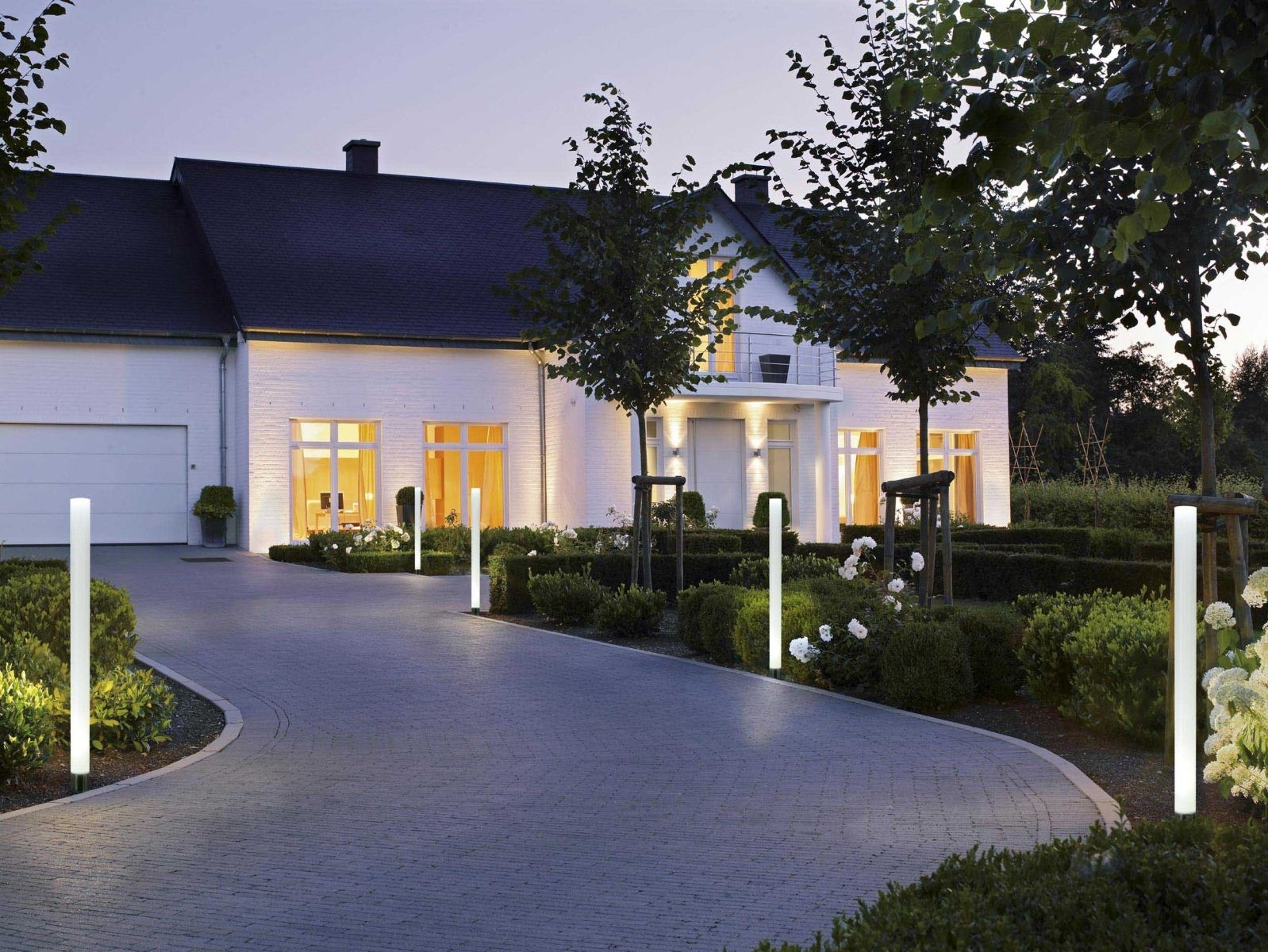 Image of: Exterior Outdoor Bollard Lighting Style