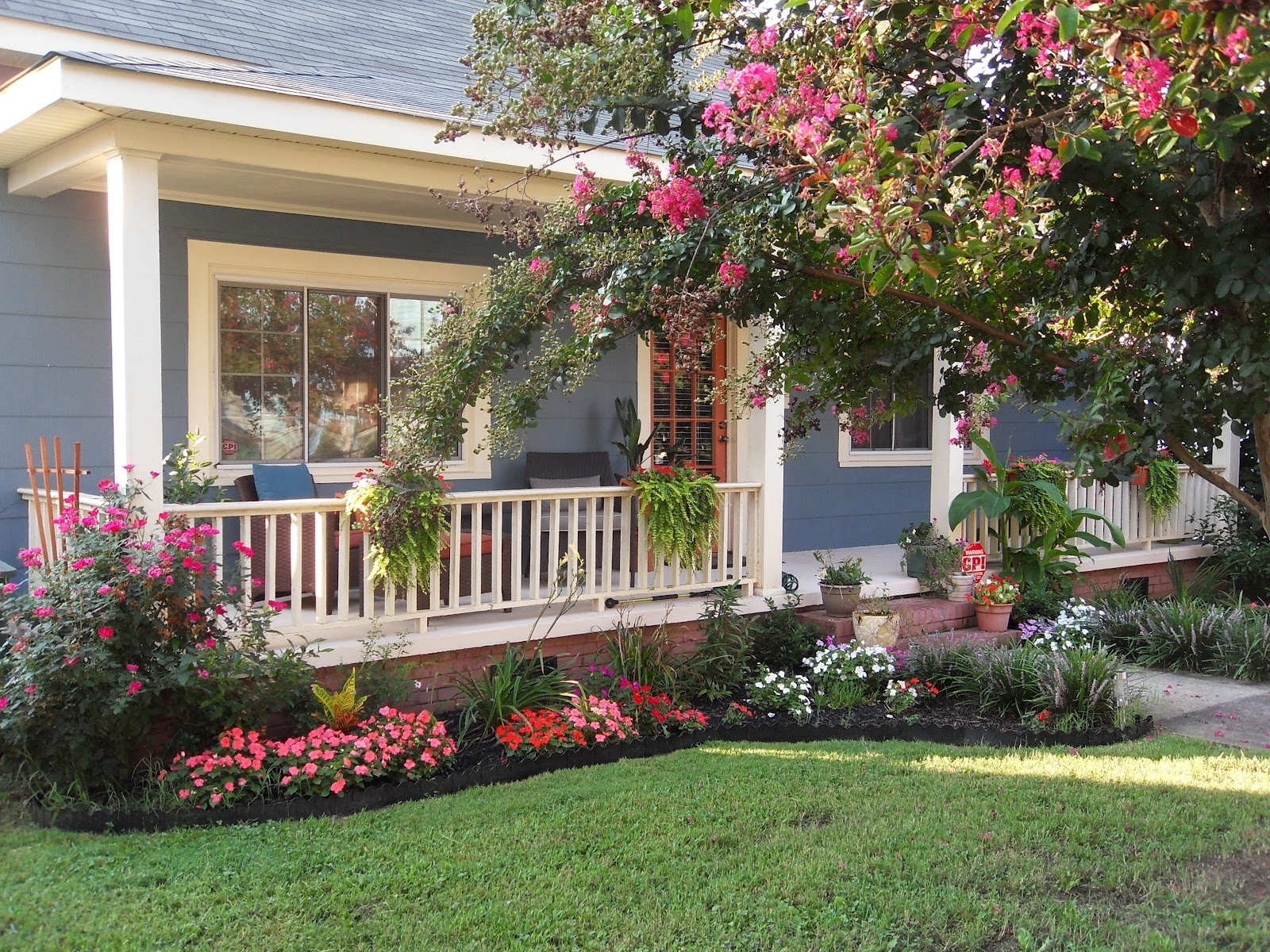 Image of: Front Landscaping Beautiful Design Create A Front Yard Landscaping In Front Yard Landscaping Plans Smart Front Yard Landscaping Plans
