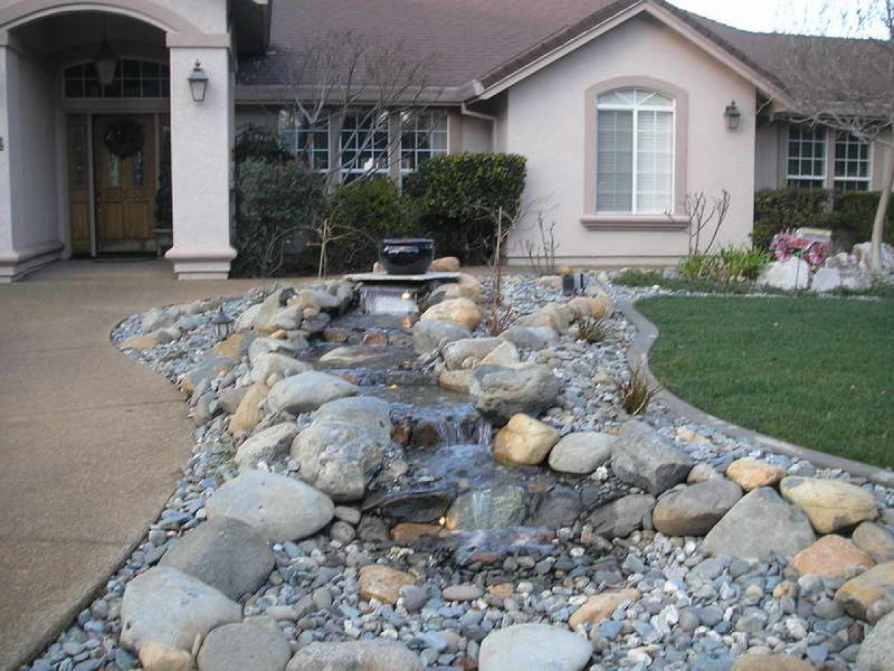 Image of: Front Yard Ideas With Rocks Intended For Your House Sakesho For Front Yard Landscaping With Rocks Create Front Yard Landscaping With Rocks