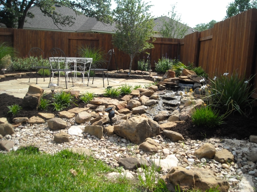 Image of: Front Yard Landscape Ideas With Rocks Zodesignart In Front Yard Landscaping With Rocks Create Front Yard Landscaping With Rocks