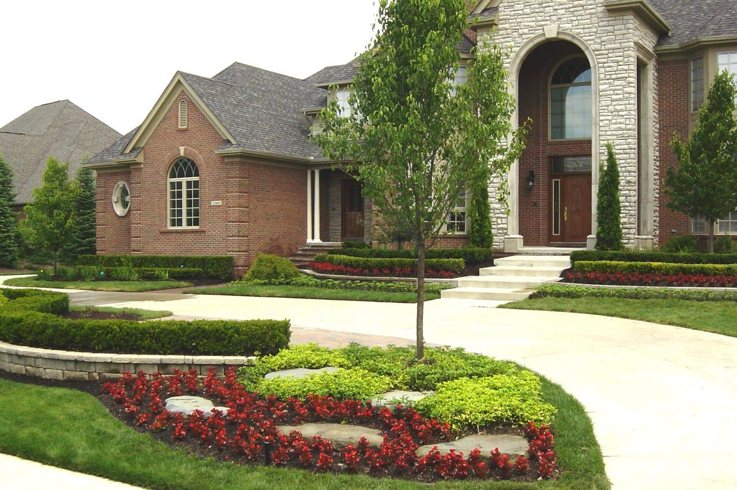 Image of: Front Yard Landscaping Plans Front Yard Landscaping Ideas Front With Regard To Front Yard Landscaping Plans Smart Front Yard Landscaping Plans