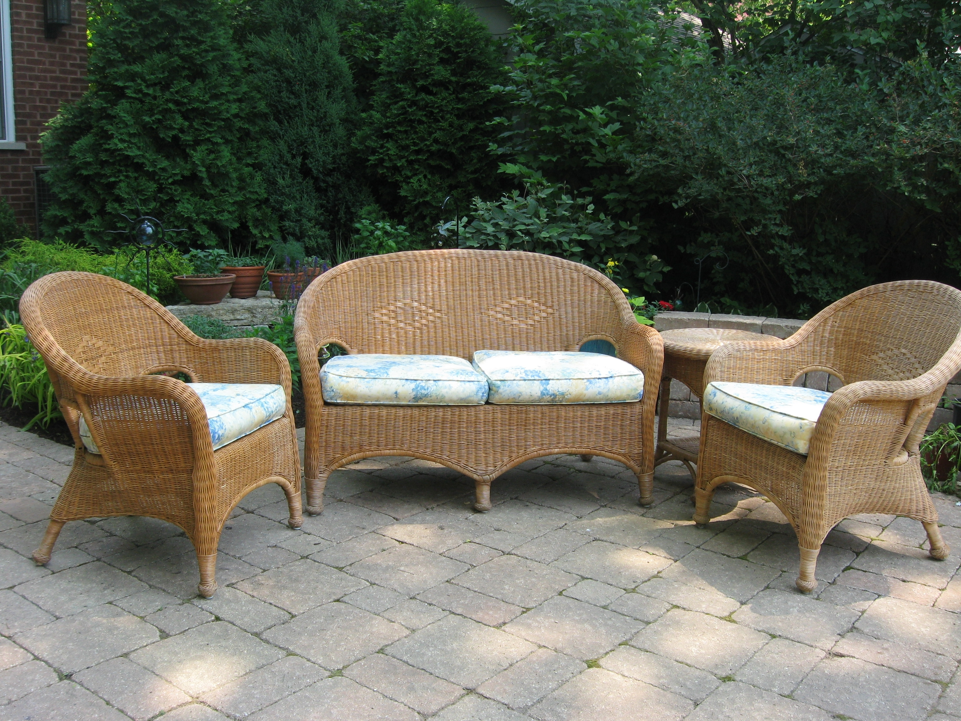 Furniture Interesting Wicker Chair Cushions For Inspiring Outdoor With Regard To Outdoor Wicker Seat Cushions Very Elegant Outdoor Wicker Seat Cushions