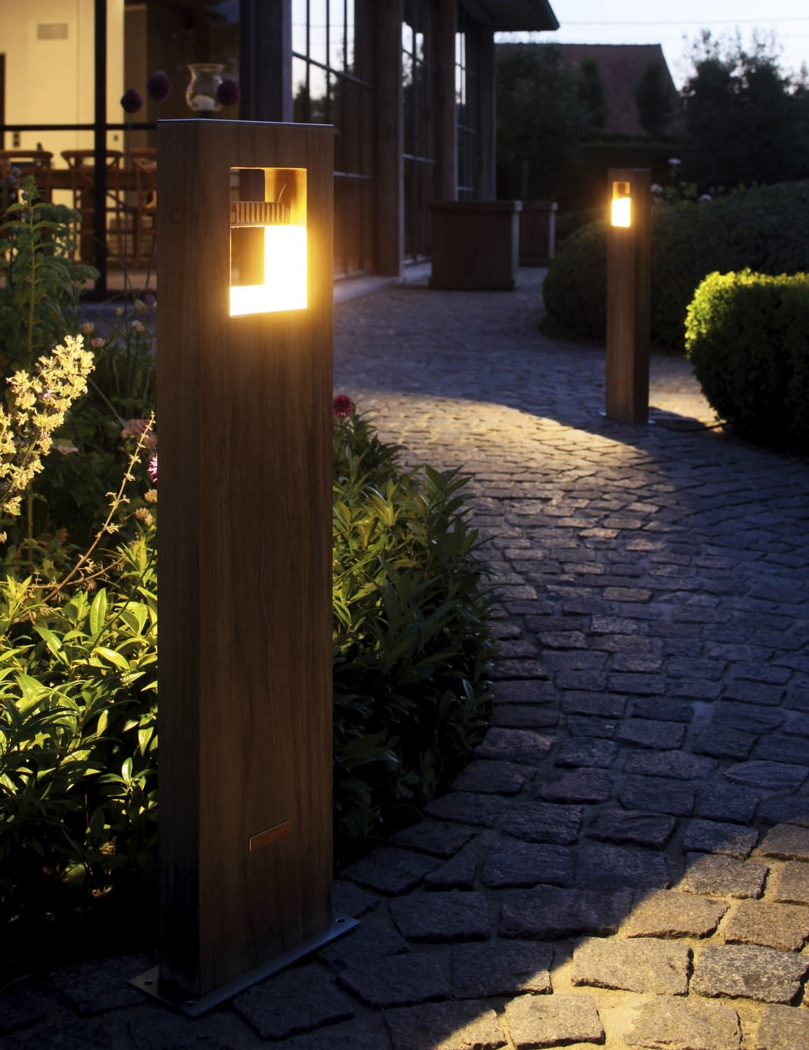 Image of: Garden Outdoor Bollard Lighting Style