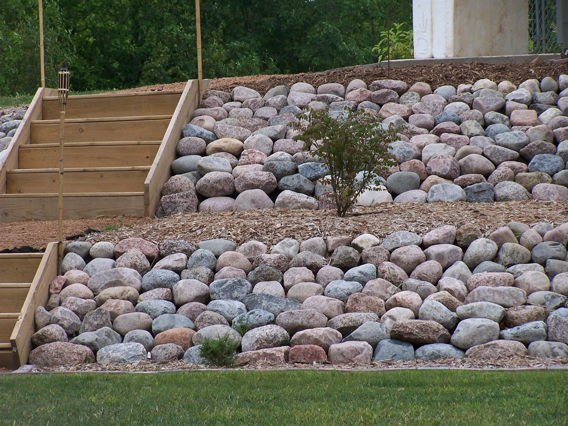 Image of: Granite Boulders Lurvey Landscape Supply Within Boulders For Landscaping