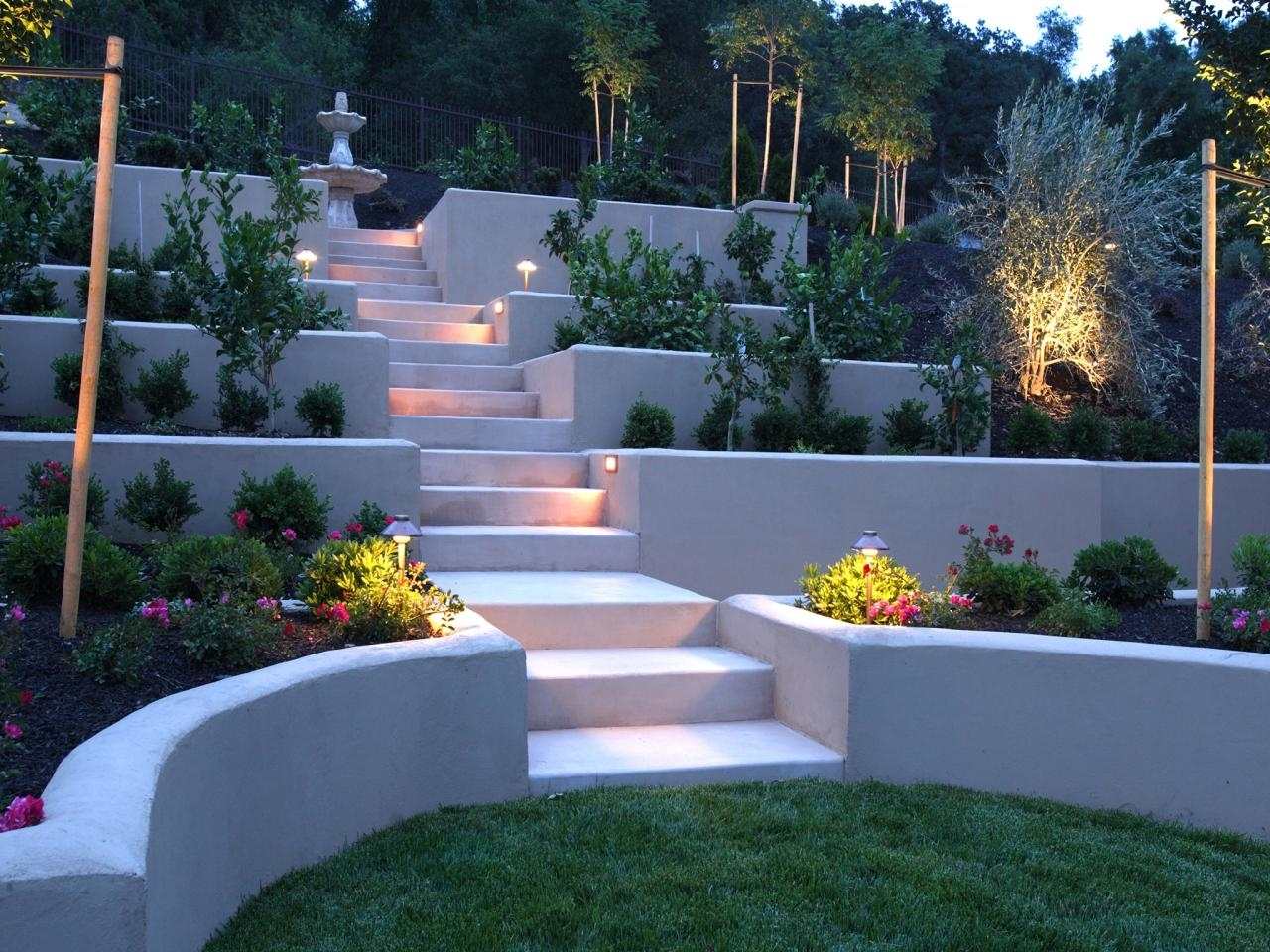 Image of: Hardscape Ideas For Slopes Finding The Hardscape Ideas For Your For Landscaping Ideas For Slopes Attractive Landscaping Ideas For Slopes