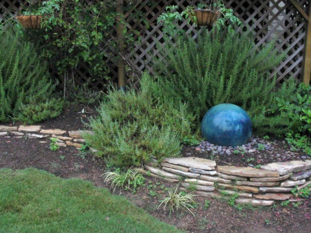 Image of: Homegrown Hint Garden Focal Point Diy Inside Focal Point Landscaping Ideas Focal Point Landscaping