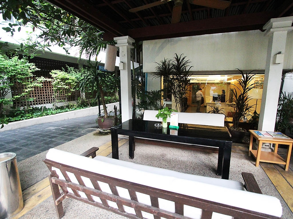 Image of: Hotel In Bangkok The Residence Rajtaevee Hotel With Regard To Outdoor Hotel Furniture Good And Cozy Outdoor Hotel Furniture