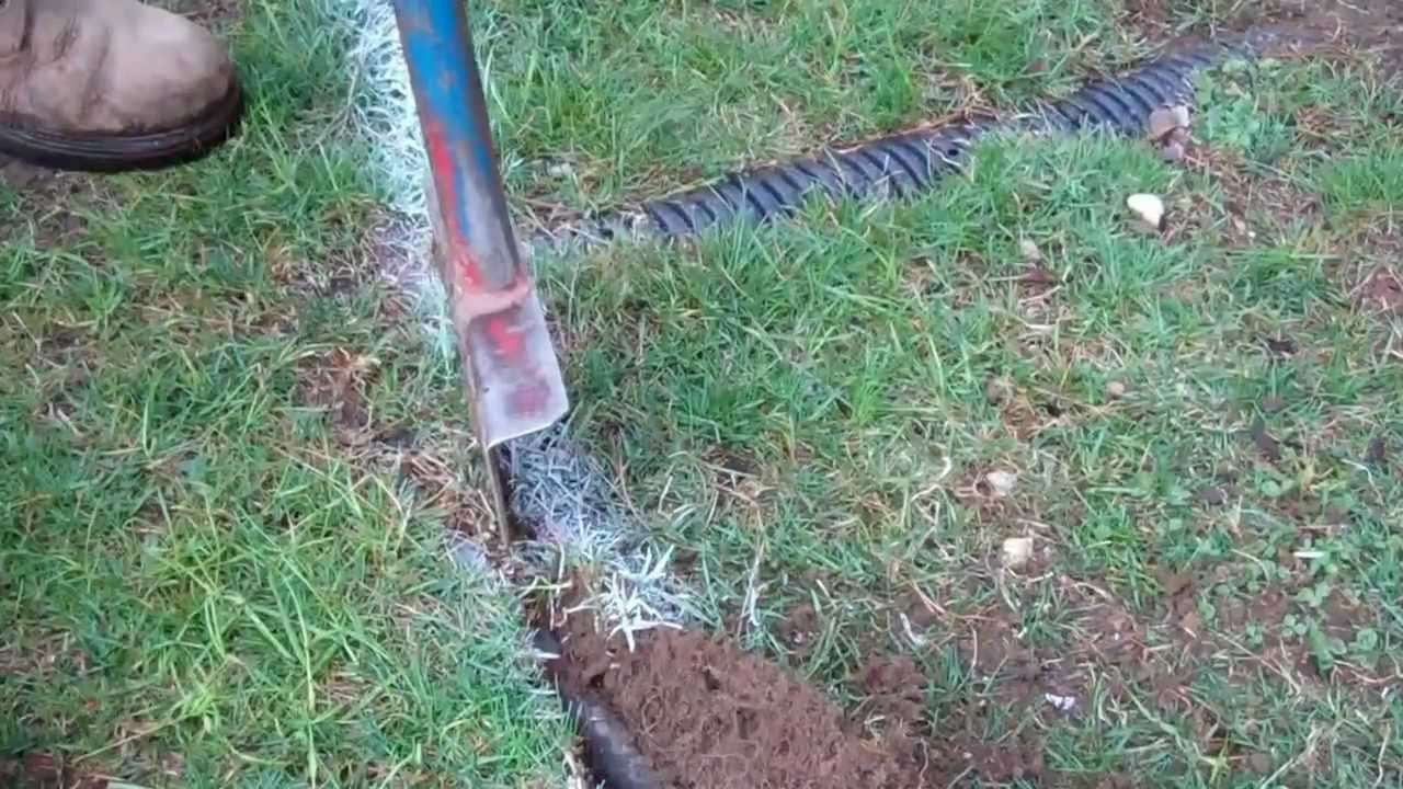 Image of: How To Edge Your Lawn Youtube Intended For How To Dig Up Landscape Edgers How To Dig Up Landscape Edgers