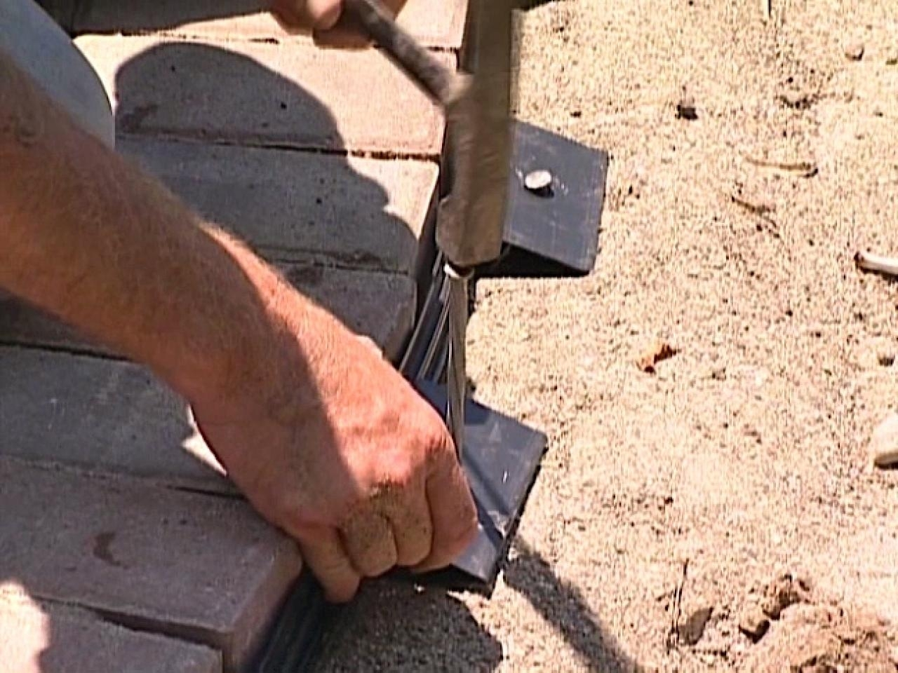 Image of: How To Install A Paver Sidewalk How Tos Diy For Diy Concrete Landscape Edging Diy Concrete Landscape Edging