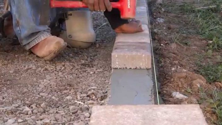 How To Install Concrete Boarder For Pavers All Access 510 701 In Diy Concrete Landscape Edging Diy Concrete Landscape Edging