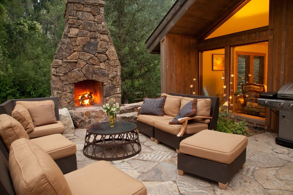 Image of: Ideas Outdoorliving Outdoor Living Outdoor Patio Backyard Outdoor With Fake Outdoor Fireplace Build Fake Outdoor Fireplace