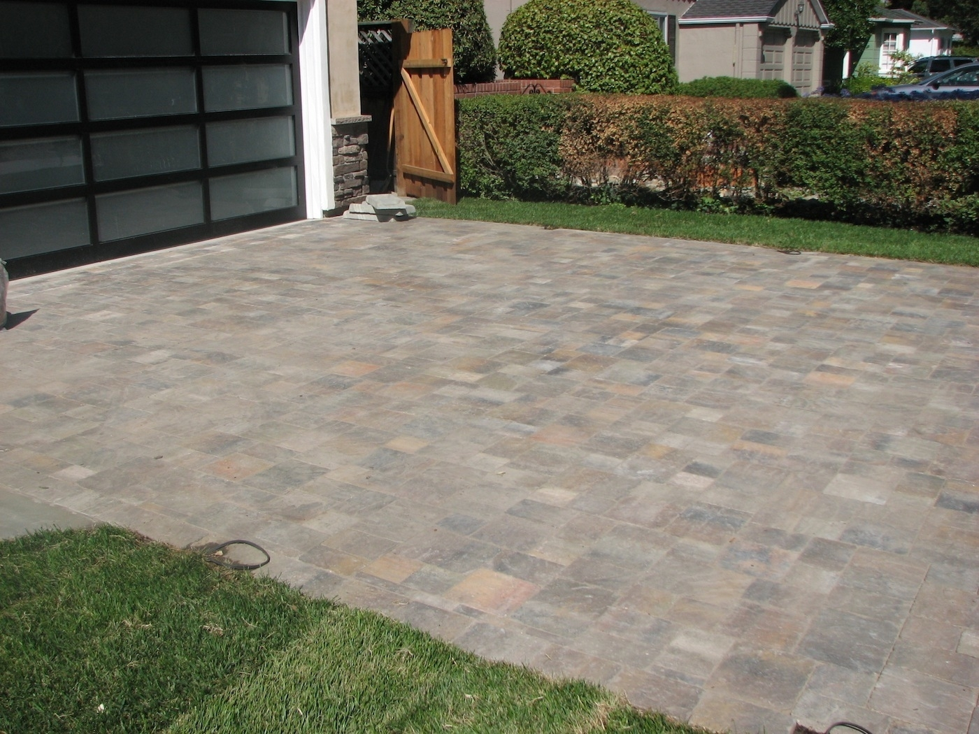 Image of: Index Of Wp Contentgallerypavers Landscape Design Inside Landscaping Pavers Easy Steps To Install Landscaping Pavers