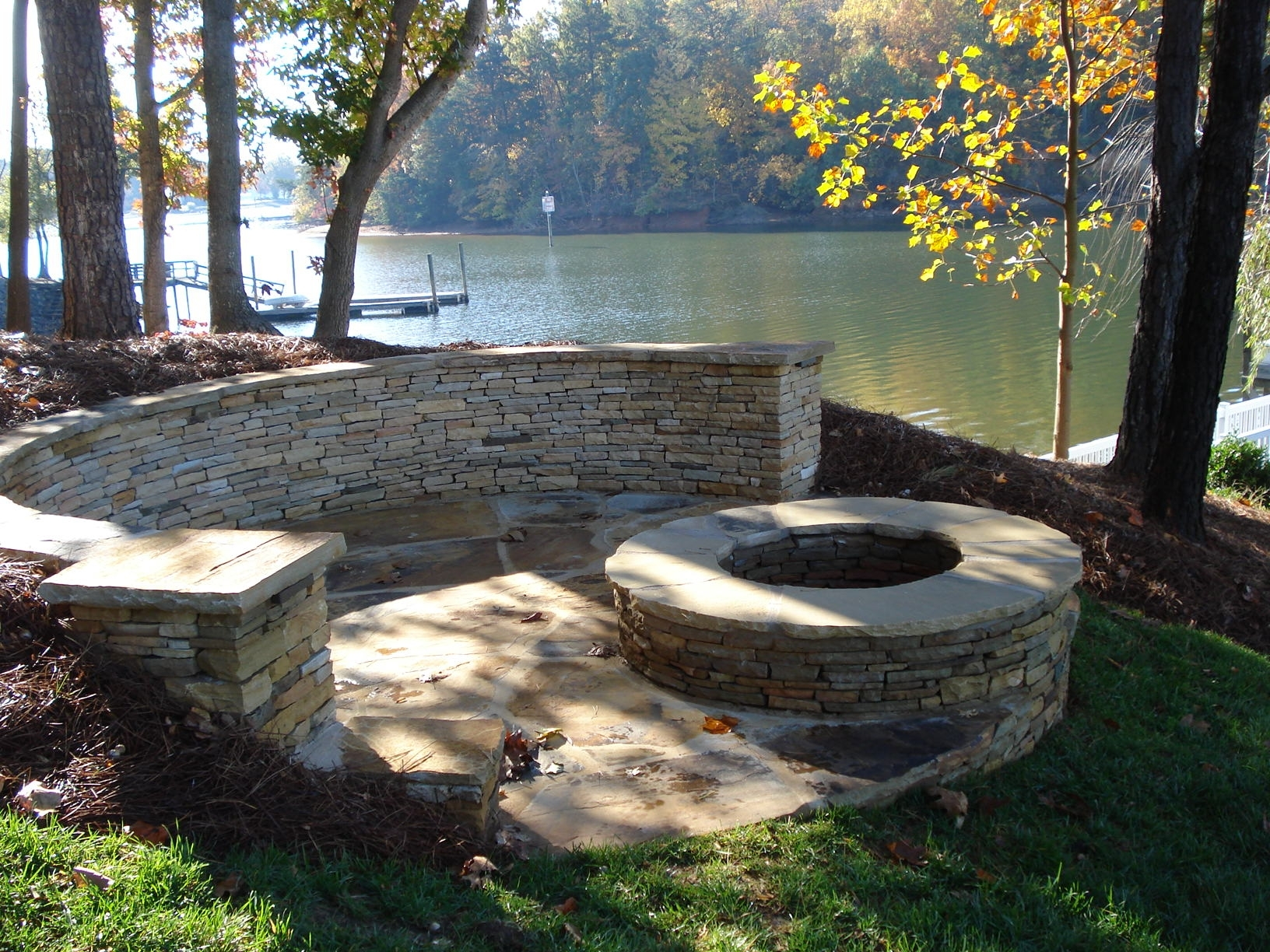 Image of: Lakeside Patio And Fire Pit With Regard To Lakeside Landscaping Latest Trends In Lakeside Landscaping